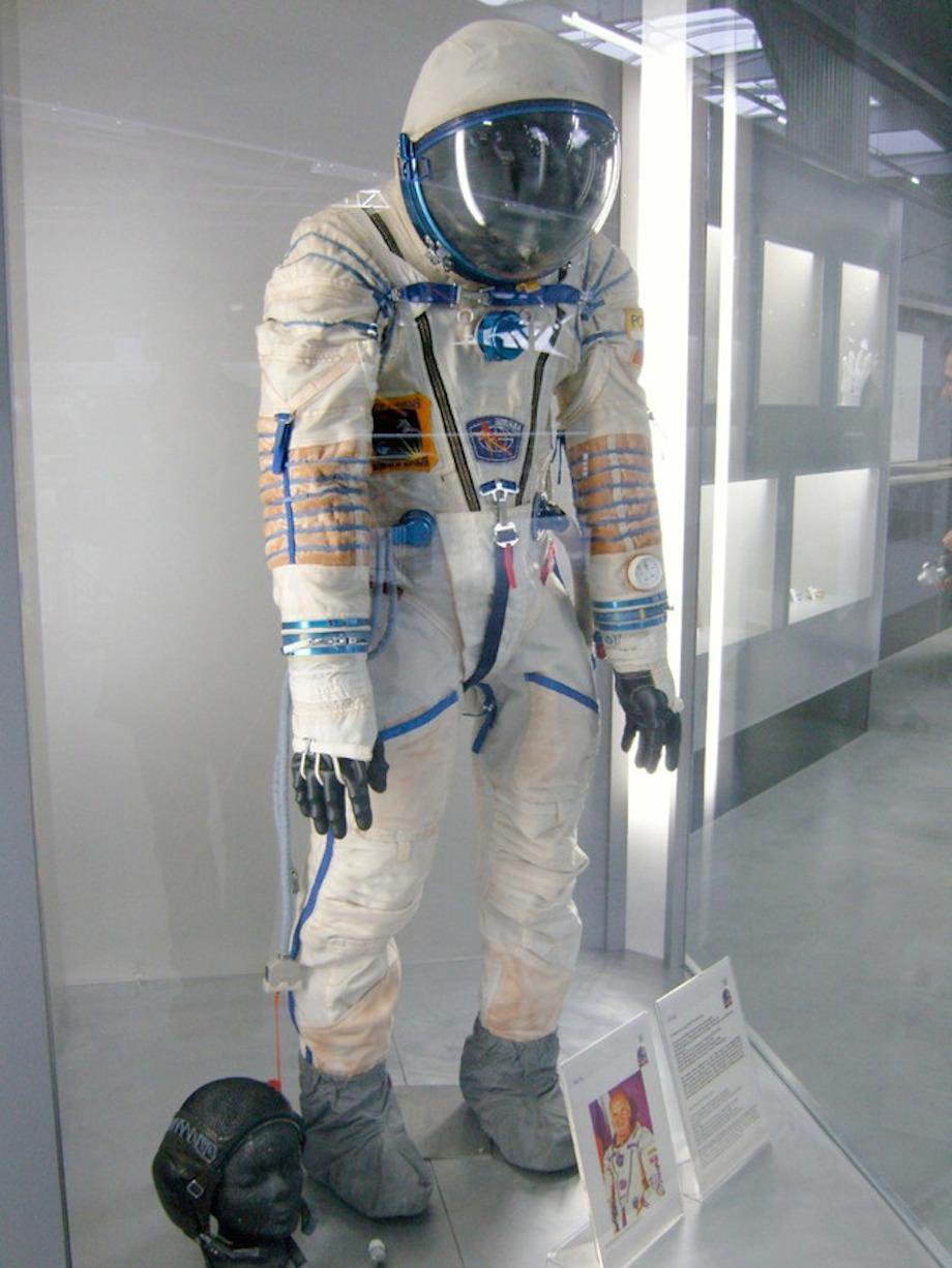 check-out-the-evolution-of-the-space-suit-41-hq-photos-20