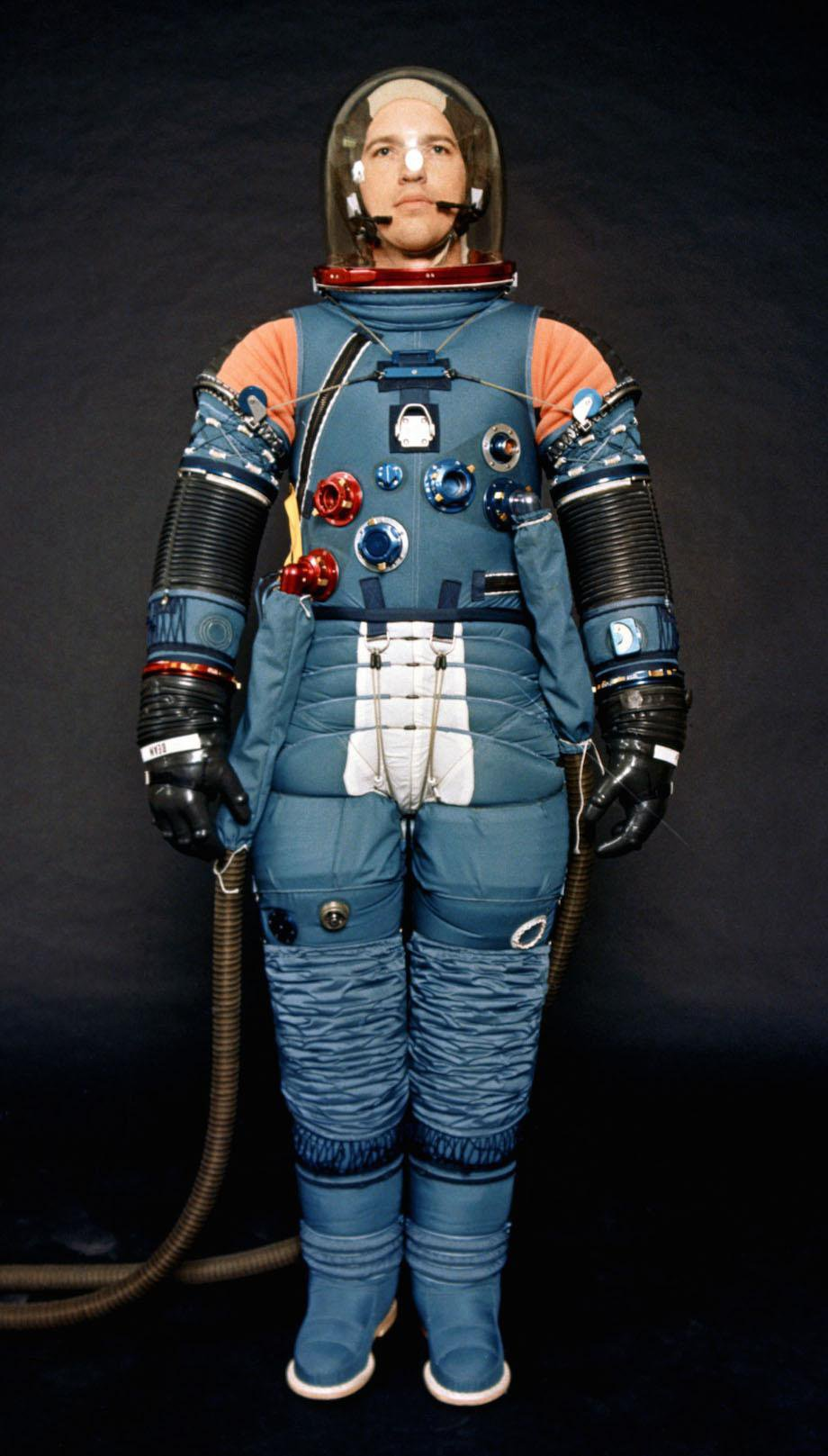 check-out-the-evolution-of-the-space-suit-41-hq-photos-19