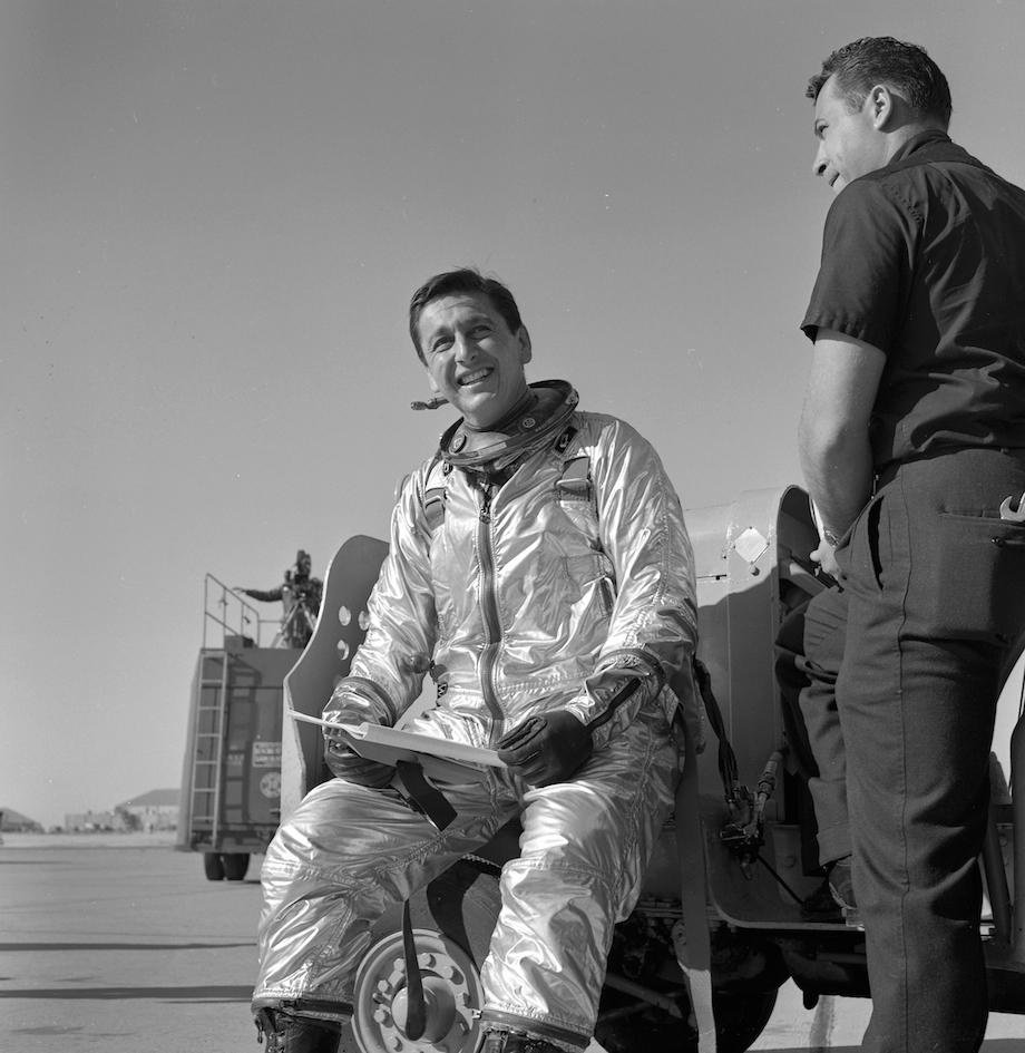 check-out-the-evolution-of-the-space-suit-41-hq-photos-4