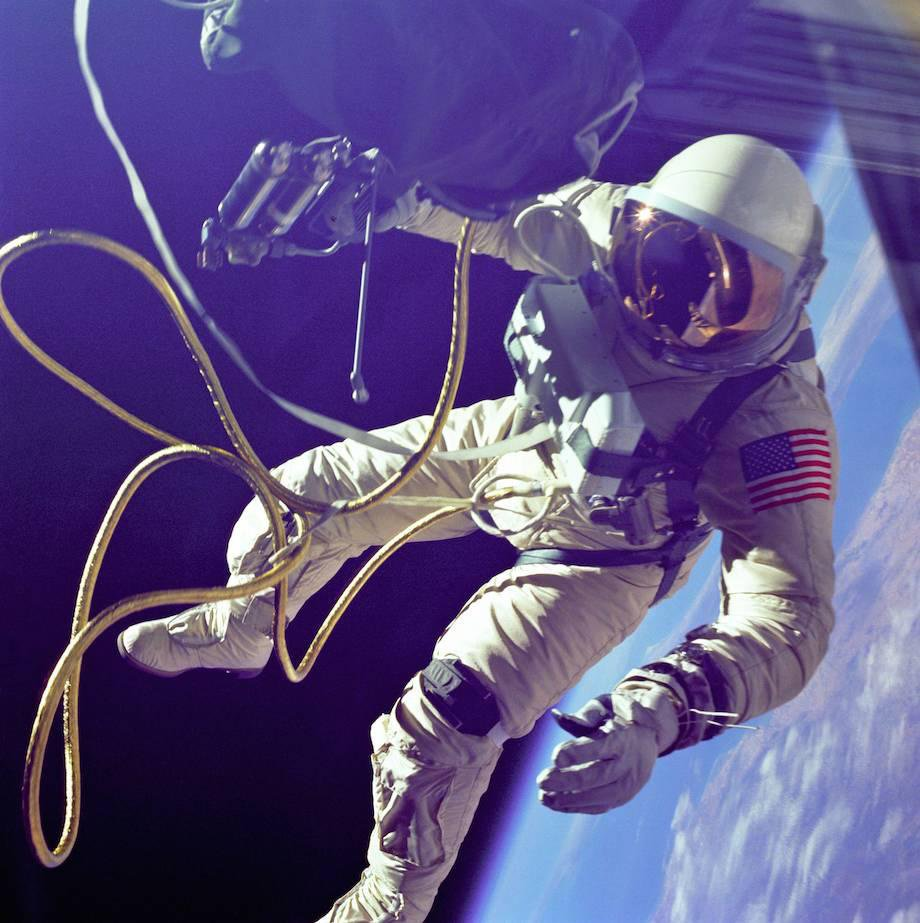 check-out-the-evolution-of-the-space-suit-41-hq-photos-13