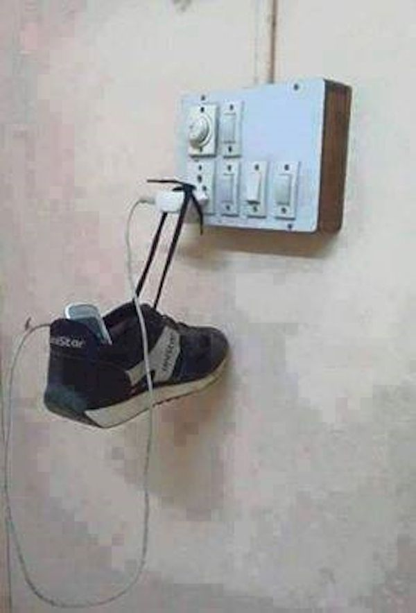 people-will-go-to-desperate-lengths-to-charge-their-phones-22-photos-19