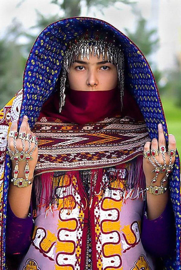 3864d604f1093c Jak wyglądają tradycyjne stroje ślubne w różnych częściach świata ...