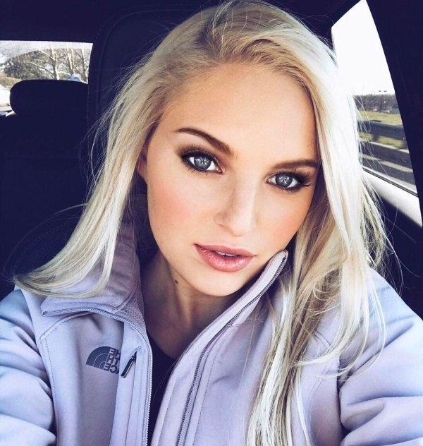 Ładne dziewczyny z blond włosami III - Joe Monster