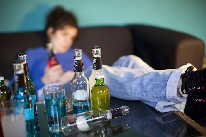 Oznaki, że spotykasz się z alkoholikiem