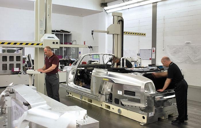 Dlaczego W Xxi Wieku Niektóre Samochody Produkuje Się Ręcznie Joe