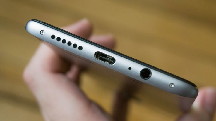 Android-Universal-Charging-Ports.jpg?q=50&fit=crop&w=738
