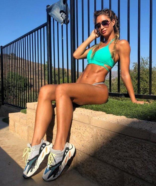 Dziewczyny z pięknymi nogami - Joe Monster