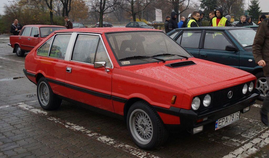 FSO Polonez Coupé z 1983 roku w kolorze jaki oryginalnie nie występował w tym modelu.