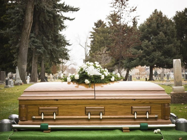 funeral.jpg?q=50&fit=crop&w=738
