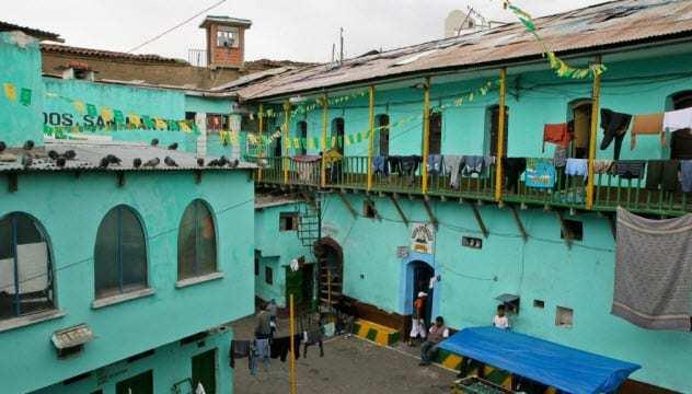 10-san-pedro-prison-bolivia.jpg