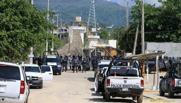 6-acapulco-prison.jpg