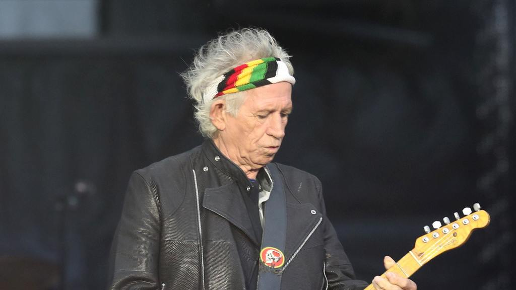 rolling-stone-keith-richards-reveals-he-has-cut-back-on-drinking-136431751946202601-181213000017.jpg