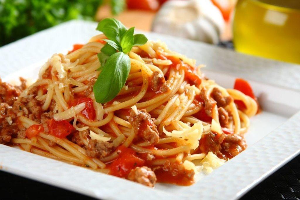 spaghetti-bolognese-3.jpg