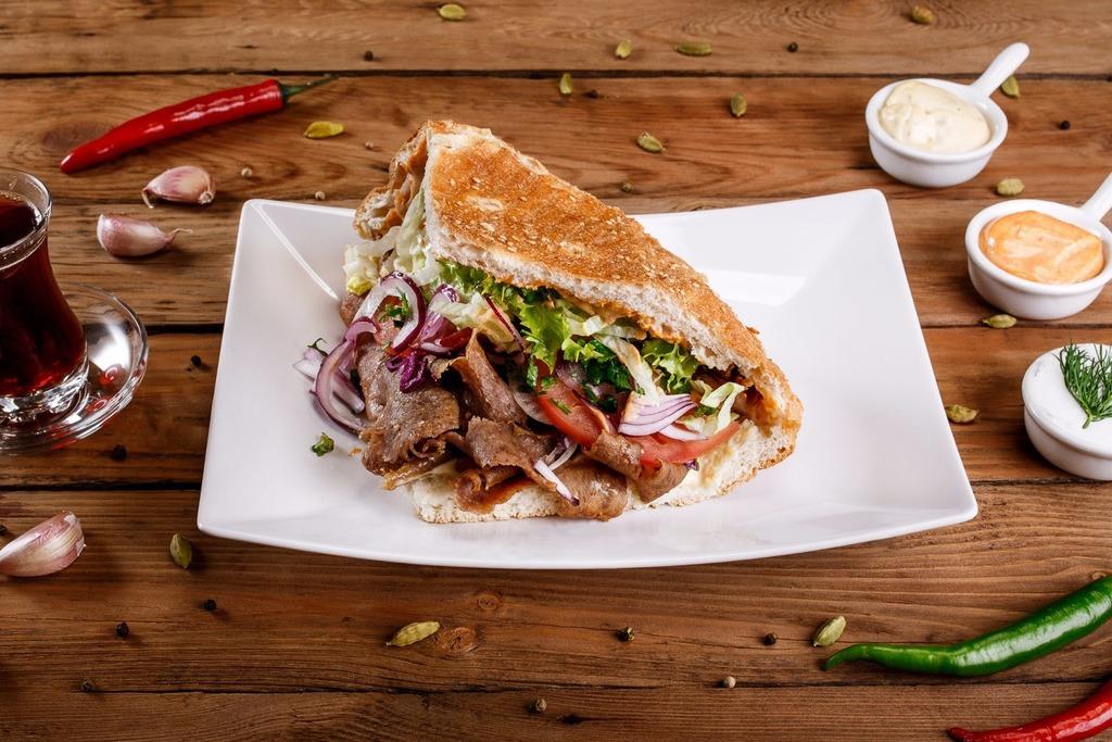 Znalezione obrazy dla zapytania kebab döner
