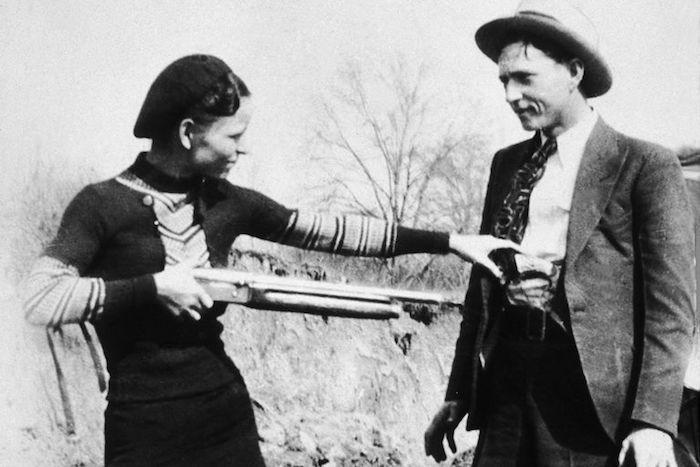 10 mniej znanych faktów o najsłynniejszej parze przestępców w dziejach - Bonnie i Clyde