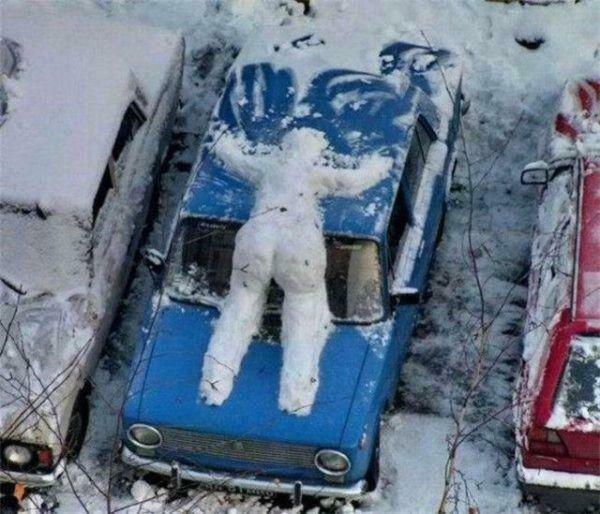 if-theres-one-thing-russians-are-good-at-its-getting-through-the-winter-36-photos-12