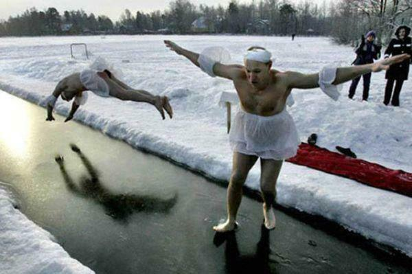if-theres-one-thing-russians-are-good-at-its-getting-through-the-winter-36-photos-28