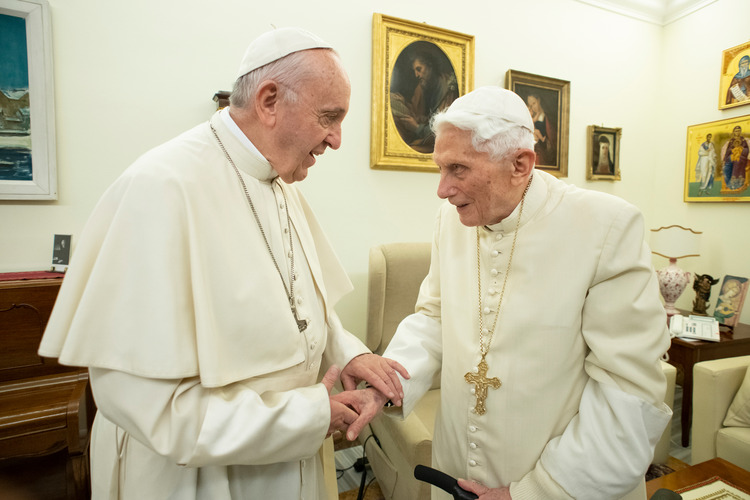 20181221T1410-23133-CNS-PAPAL-VISIT-BENEDICT_0.jpg.png?itok=OF1faRgM