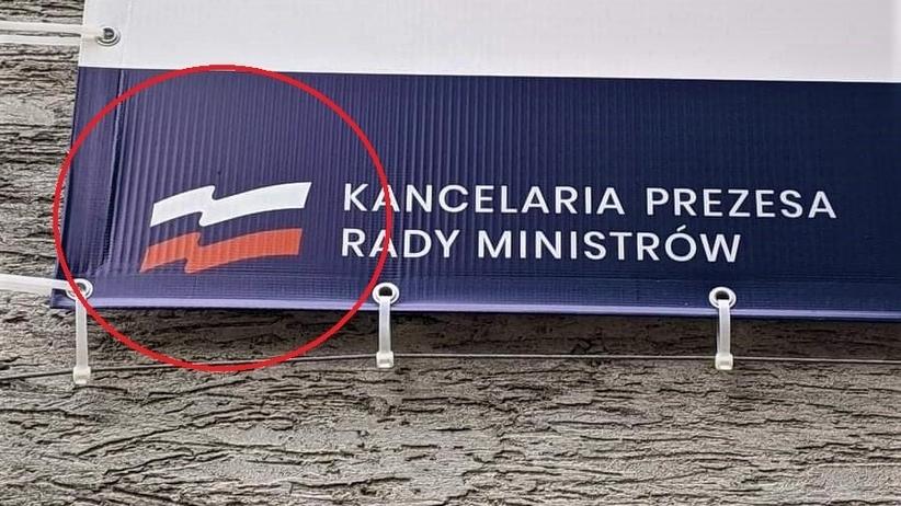 PiS-zmienil-polskie-barwy-na-rosyjskie-Mega-wpadka-przy-punkcie-szczepien_article.jpg