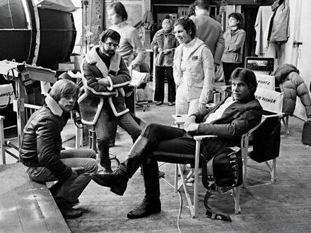 Mark Hamill, George Lucas, Carrie Fisher i Harrison Ford na planie Imperium Kontratakuje