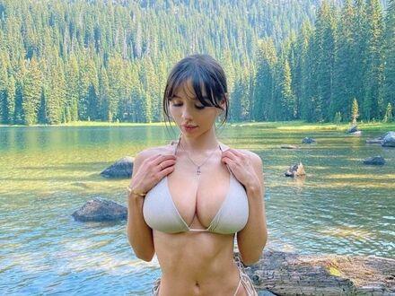 Nad jeziorkiem