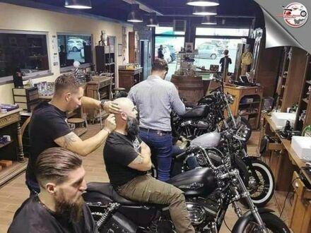 Fryzjer dla wolnych mężczyzn