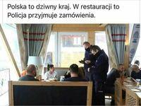 Kelnerzy na kwarantannie, to dzielni policjanci postanowili pomóc