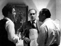 """Rober Duvall z kartkami z tekstem dla Marlona Brando w czasie kręcenia """"Ojca Chrzestnego"""""""