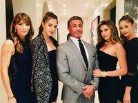 Sylvester Stallone z żoną i córkami