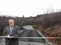 Sołtys oficjalnie otworzył nowy odcinek drogi