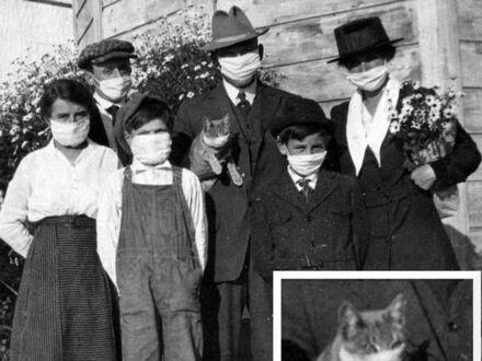 Zdjęcie rodzinne zrobione podczas epidemii hiszpanki, 1918