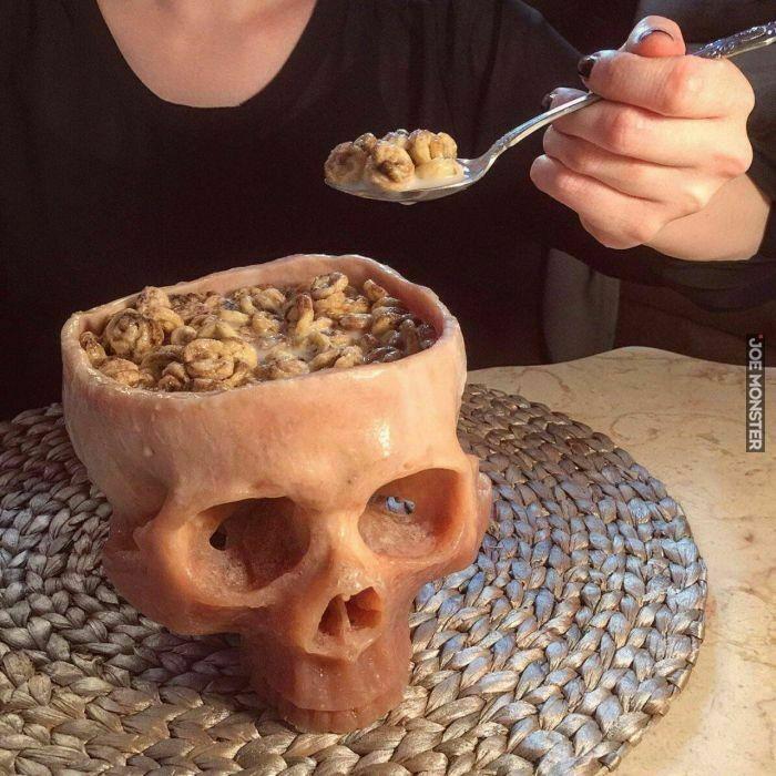 Jem z czaszek moich wrogów