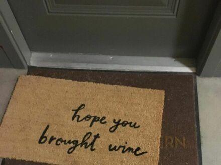 Mam nadzieję, że przyniosłeś wino