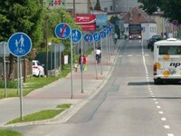 Ciężkie życie pieszych i rowerzystów