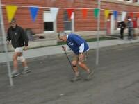 John DeWalt w 47 godz, i 47 min, ukończył ultramaraton Hardrock 100. Miał wtedy 73 lata