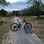 Przemyślany stojak dla rowerów