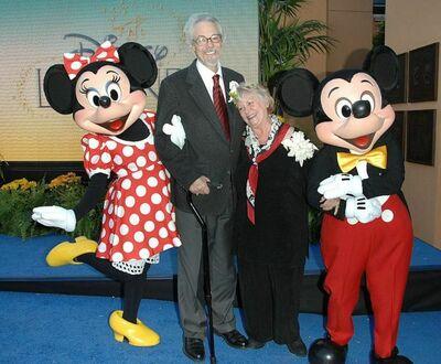 Aktorzy głosowi podkładający oryginalny głos Myszkom Mickey i Minnie - Wayne Allwine i Russi Taylor - pobrali się w prawdziwym życiu