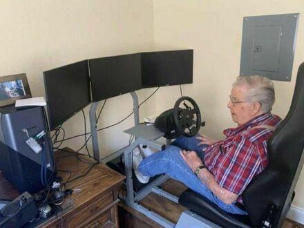 Dziadek zamówił sobie lepszy zestaw gamingowy niż mój, czy któregokolwiek z moich kolegów