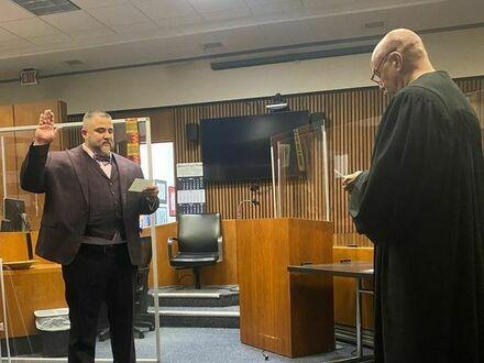 W Detroit sędzia Bruce Morrow dał szansę handlarzowi narkotyków, 16 lat później zaprzysiągł go na prawnika