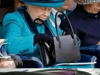 Zawsze warto mieć przy sobie - wie o tym nawet królowa