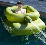 Idealny na basenowe zabawy