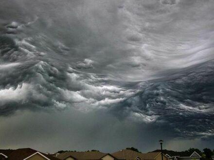 Niebo, które wygląda jak wzburzone morze