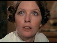 Diane Keaton w filmie Miłość i Śmierć z 1975 roku (2 lata przed Gwiezdnymi Wojnami)