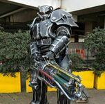Cosplay pancerza wspomaganego z Fallouta