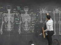 Z zawodu nauczyciel anatomii a z zamiłowania artysta