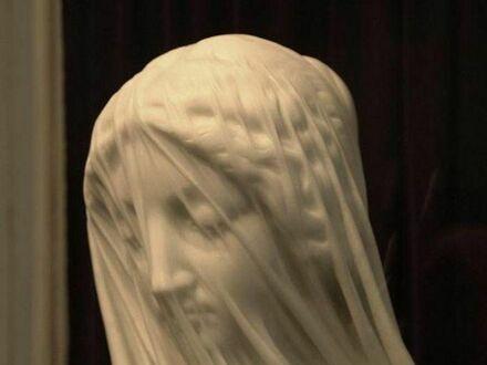 Marmurowa rzeźba z niesamowitymi detalami