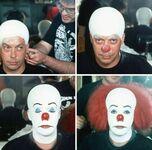 Charakteryzacja Tima Curry do roli Pennywise w To z 1990