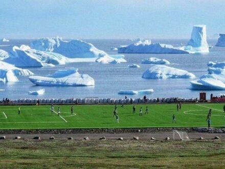 Gra w piłkę nożną na Grenlandii