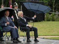 Boris Johnson łączy się z satelitą