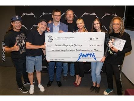 Metallica przekazała warszawskiemu hospicjum dla dzieci prawie ćwierć miliona złotych